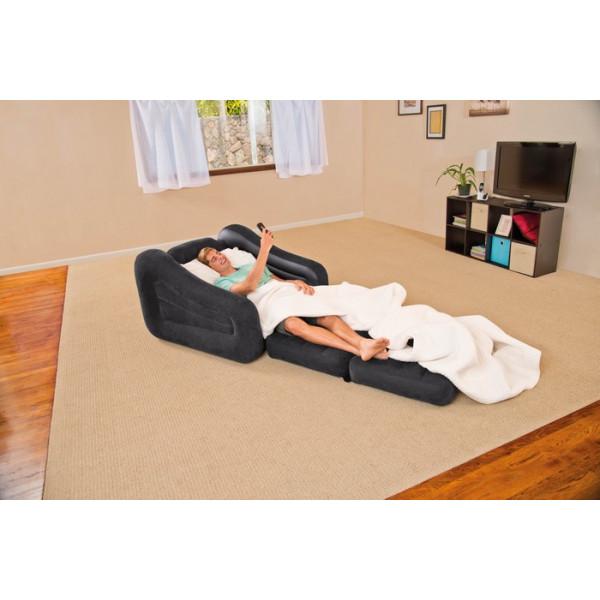 fauteuil-gonflable-convertible-intex-68565-homme-allongé