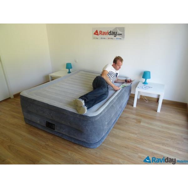 Un colchón hinchable eléctrico Comfort Plush High 2 personas 64418