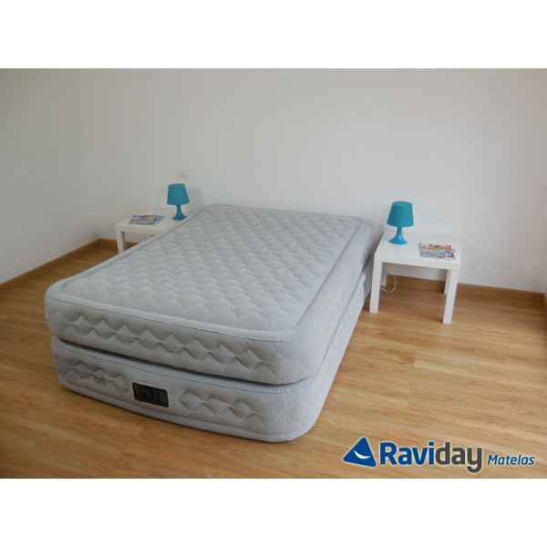 Matelas gonflable électrique 2 places Intex Supreme Bed Fiber-Tech